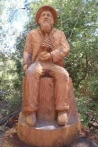 La Gerche Chainsaw Carving