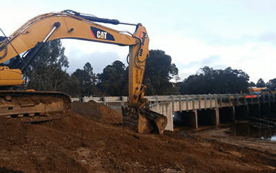 Earthworks & Machinery Contractors